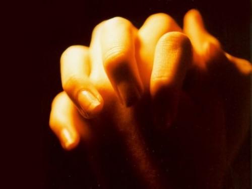 hands-500x375